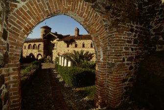 ITALY - CIRCA 2016: View of Pavone Canavese Castle, 11th century, restored by Alfredo d'Andrade (1839-1915), Piedmont, Italy. (Photo by DeAgostini/Getty Images)