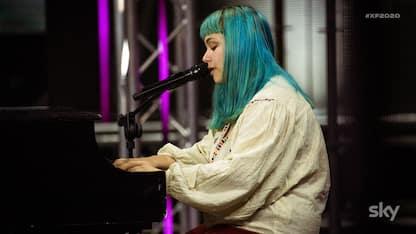 X Factor 2020, Elisa (alias Casadilego) è la prima a passare il turno