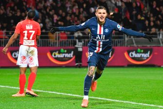 TOPSHOT - Paris Saint-Germain's Argentine forward Mauro Icardi (R) celebrates after scoring a goal during the French L1 football match between Stade Brestois 29 and Paris Saint-Germain in Brest, western France, on November 9, 2019. (Photo by Damien MEYER / AFP) (Photo by DAMIEN MEYER/AFP via Getty Images)