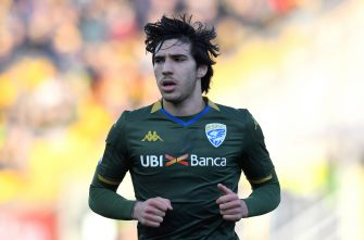 PARMA, ITALY - DECEMBER 22: Sandro Tonali of Brescia Calcio  looks on during the Serie A match between Parma Calcio and Brescia Calcio at Stadio Ennio Tardini on December 22, 2019 in Parma, Italy.  (Photo by Alessandro Sabattini/Getty Images) *** Local Caption *** Sandro Tonali
