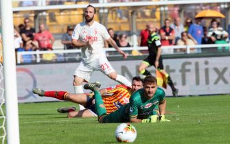 Lecce's goalkeeper Gabriel looks to the ball after Gonzalo Higuian kicked to the target during the Italian Serie A soccer match US Lecce vs FC Juventus at the Via del Mare stadium in Lecce, Italy, 26 October 2019. ANSA/MARCO LEZZI