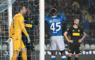 Brescia's Mario Balotelli despairs after missing a goal during the Italian Serie A soccer match Brescia FC vs Inter FC at Rigamonti stadium in Brescia, Italy 29 october 2019. ANSA/FILIPPO VENEZIA