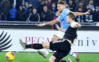 SS Lazio's Ciro Immobile (L) vies for the ball with FC Juventus' Matthijs De Ligt during the Italian Serie A soccer match between SS Lazio and FC Juventus at the Olimpico stadium in Rome, Italy, 07 December 2019.  ANSA/ETTORE FERRARI