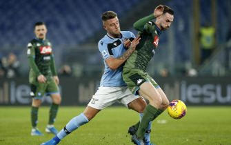 Napoli's Fabian Ruiz (R) in action against Lazio's Sergej Milinkovic-Savic (L) during the Serie A soccer match between SS Lazio and SSC Napoli at the Olimpico stadium in Rome, Italy, 11 January 2020. ANSA/RICCARDO ANTIMIANI
