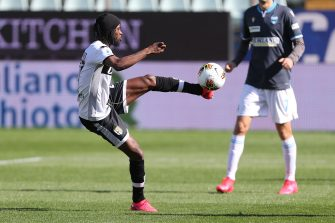 PARMA, ITALY - MARCH 08: Gervinho of Parma Calcio in action during the Serie A match between Parma Calcio and  SPAL at Stadio Ennio Tardini on March 8, 2020 in Parma, Italy.  (Photo by Gabriele Maltinti/Getty Images)