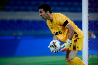 Juventus' Italian goalkeeper Gianluigi Buffon prepares to clear the ball during the TIM Italian Cup (Coppa Italia) final football match Napoli vs Juventus on June 17, 2020 at the Olympic stadium in Rome, played behind closed doors as the country gradually eases the lockdown aimed at curbing the spread of the COVID-19 infection, caused by the novel coronavirus. (Photo by Filippo MONTEFORTE / AFP) (Photo by FILIPPO MONTEFORTE/AFP via Getty Images)