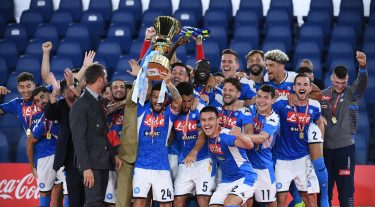 Napoli's players celebrate with the trophy after winning the Italy Cup Final soccer match against Juventus FC at the Olimpico stadium in Rome, Italy, 17 June 2020.   ANSA/ETTORE FERRARI
