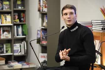 Manuel Bortuzzo durante la presentazione del suo libro 'Rinascere. L'anno in cui ho ricominciato a vivere', Milano, 12 Novembre 2019. ANSA/FLAVIO LO SCALZO