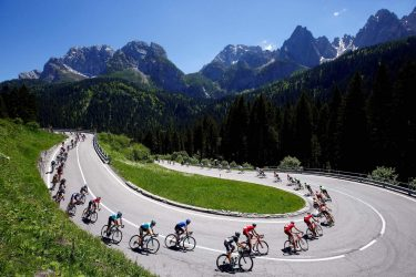 TOPSHOT - The pack rides during the 19th stage of 100th Giro d'Italia, Tour of Italy, from San Candido to Piancavallo of 191 km on May 26, 2017 in Piancavallo. / AFP PHOTO / Luk BENIES        (Photo credit should read LUK BENIES/AFP via Getty Images)