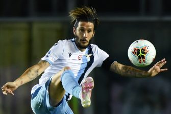Lazio's Spanish midfielder Luis Alberto controls the ball during the Italian Serie A football match Atalanta vs Lazio played on June 24, 2020 behind closed doors at the Atleti Azzurri d'Italia stadium in Bergamo, as the country eases its lockdown aimed at curbing the spread of the COVID-19 infection, caused by the novel coronavirus. (Photo by Miguel MEDINA / AFP) (Photo by MIGUEL MEDINA/AFP via Getty Images)