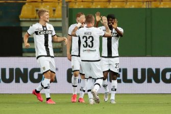 Parma's Gervinho (R) jubilates with his teammates after scoring a goal during the Italian Serie A soccer match Parma Calcio vs FC Inter at Ennio Tardini stadium in Parma, Italy, 28 June 2020. ANSA / ELISABETTA BARACCHI