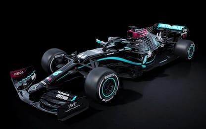 F1, Mercedes svela la nuova livrea: è nera contro il razzismo