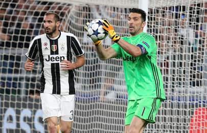 Juventus, Buffon e Chiellini rinnovano fino al 2021