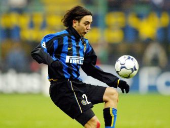 MILAN, ITALY - DECEMBER 10:  CHAMPIONS LEAGUE 02/03, Mailand; INTER MAILAND - BAYER 04 LEVERKUSEN 3:2; Alvaro RECOBA/INTER  (Photo by Vladimir Rys/Bongarts/Getty Images)