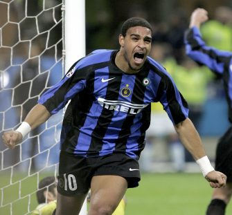 MILAN, ITALY - MARCH 11: Adriano of Inter celebrates scoring during the Serie A game between Inter Milan and Sampdoria   at the San Siro on March 11, 2006 in Milan, Italy. (Photo by New Press/Getty Images)