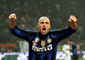 MILAN, ITALY - JANUARY 19:  Esteban Cambiasso of Inter Milan celebrates scoring the third goal of Cristian Chivu during the Serie A match between Inter and Cesena at Stadio Giuseppe Meazza on January 19, 2011 in Milan, Italy.  (Photo by Claudio Villa/Getty Images)