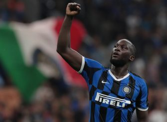 MILAN, ITALY - AUGUST 26:  Romelu Lukaku of FC Internazionale celebrates his goal during the Serie A match between FC Internazionale and US Lecce at Stadio Giuseppe Meazza on August 26, 2019 in Milan, Italy.  (Photo by Emilio Andreoli/Getty Images)