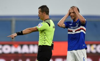 GENOA, ITALY - JUNE 28: Daniele Doveri, Match Referee awards a penalty to Bologna during the Serie A match between UC Sampdoria and Bologna FC at Stadio Luigi Ferraris on June 28, 2020 in Genoa, Italy. (Photo by Chris Ricco/Getty Images)