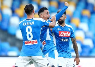NAPLES, ITALY - JUNE 28: (BILD ZEITUNG OUT) Jose Maria Callejon of Napoli Celebrates after scoring his team's second goal with team mates during the Serie A match between SSC Napoli and SPAL at Stadio San Paolo on June 28, 2020 in Naples, Italy. (Photo by Matteo Ciambelli/DeFodi Images via Getty Images)
