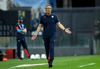 UDINE, ITALY - JUNE 28: Luca Gotti head coach of Udinese Calcio reacts during the Serie A match between Udinese Calcio and Atalanta BC at Stadio Friuli on June 28, 2020 in Udine, Italy.  (Photo by Alessandro Sabattini/Getty Images)