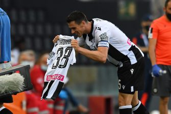 UDINE, ITALY - JUNE 28:  Kevin Lasagna of Udinese Calcio  celebrates after scoring the 1-1 goal during the Serie A match between Udinese Calcio and Atalanta BC at Stadio Friuli on June 28, 2020 in Udine, Italy.  (Photo by Alessandro Sabattini/Getty Images)