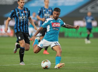 BERGAMO, ITALY - JULY 02:  Lorenzo Insigne of SSC Napoli kicks the ball during the Serie A match between Atalanta BC and SSC Napoli at Gewiss Stadium on July 2, 2020 in Bergamo, Italy.  (Photo by Emilio Andreoli/Getty Images)
