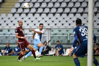 TURIN, ITALY - JUNE 30: Jony of SS Lazio crosses the ball during the Serie A match between Torino FC and  SS Lazio at Stadio Olimpico di Torino on June 30, 2020 in Turin, Italy. (Photo by Stefano Guidi/Getty Images)