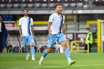 TURIN, ITALY - JUNE 30: Ciro Immobile of SS Lazio celebrates a goal  during the Serie A match between Torino FC and  SS Lazio at Stadio Olimpico di Torino on June 30, 2020 in Turin, Italy. (Photo by Stefano Guidi/Getty Images)