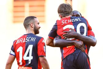 GENOA, ITALY - JULY 12: Lasse Schone of Genoa (C) celebrates with his team-mates Davide Biraschi and Cristian Zapata after scoring a goal on a free kick during the Serie A match between Genoa CFC and  SPAL at Stadio Luigi Ferraris on July 12, 2020 in Genoa, Italy. (Photo by Paolo Rattini/Getty Images)