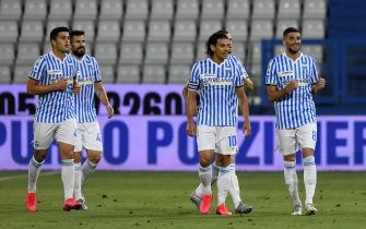 FERRARA, ITALY - JULY 01: Mattia Valoti of SPAL (R) celebrates goal with teammates during the Serie A match between SPAL and AC Milan at Stadio Paolo Mazza on July 1, 2020 in Ferrara, Italy. (Photo by Chris Ricco/Getty Images)