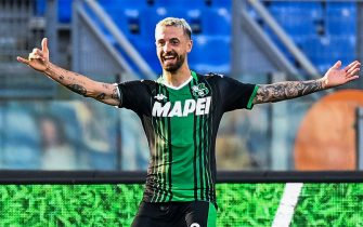 Sassuolo's Italian forward Francesco Caputo celebrates after scoring  during the Italian Serie A football match Lazio Rome vs Sassuolo played behind closed doors on July 11, 2020 at the Olympic stadium in Rome, as the country eases its lockdown aimed at curbing the spread of the COVID-19 infection, caused by the novel coronavirus. (Photo by Vincenzo PINTO / AFP) (Photo by VINCENZO PINTO/AFP via Getty Images)