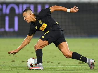 FERRARA, ITALY - JULY 16:  Alexis Sanchez of FC Internazionale in action during the Serie A match between SPAL and FC Internazionale at Stadio Paolo Mazza on July 16, 2020 in Ferrara, Italy.  (Photo by Alessandro Sabattini/Getty Images)