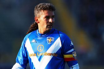 BRESCIA, ITALY - NOVEMBER 02: Roberto Baggio of Brescia is seen during the Serie A match between Brescia and Parma at the Stadio Mario Rigamonti on November 2, 2003 in Brescia, Italy. (Photo by Etsuo Hara/Getty Images)