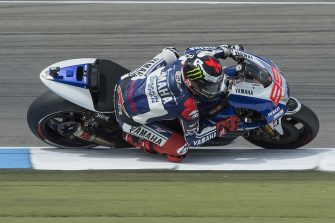 ASSEN, NETHERLANDS - JUNE 29:  Jorge Lorenzo of Spain and Yamaha Factory Racing rounds the bend during the MotoGP race during the MotoGp Of Holland - Race at TT Circuit Assen on June 29, 2013 in Assen, Netherlands.  (Photo by Mirco Lazzari gp/Getty Images)