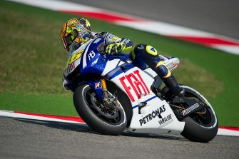 MISANO ADRIATICO, ITALY - SEPTEMBER 03:  Valentino Rossi of Italy and Fiat Yamaha Team rounds the bend during the first free practice of MotoGP of San Marino in Misano World Circuit in Misano Adriatico on September 3, 2010 in Misano Adriatico, Italy.  (Photo by Mirco Lazzari gp/Getty Images)
