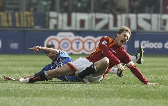 ROME, ITALY - FEBRUARY 19: Francesco Totti of Roma sustains an injury in action during the Serie A match between AS Roma and Empoli at the Stadio Olimpico on February 19, 2005 in Rome, Italy.  (Photo by New Press/Getty Images)