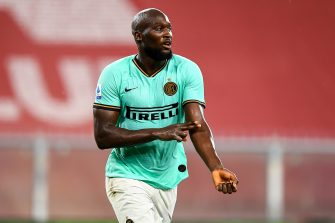 GENOA, ITALY - JULY 25: Romelu Lukaku of Inter celebrates and gestures with two fingers on his arm after scoring his second goal during the Serie A match between Genoa CFC and  FC Internazionale at Stadio Luigi Ferraris on July 25, 2020 in Genoa, Italy. (Photo by Paolo Rattini/Getty Images)
