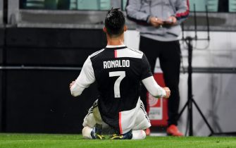 TURIN, ITALY - OCTOBER 19: Cristiano Ronaldo of Juventus celebrates scoring his side's first goal during the Serie A match between Juventus and Bologna FC at  on October 19, 2019 in Turin, Italy. (Photo by Etsuo Hara/Getty Images)