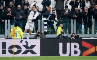TURIN, ITALY - DECEMBER 15: Cristiano Ronaldo of Juventus FC celebrates a goal during the Serie A match between Juventus and Udinese Calcio at Allianz Stadium on December 15, 2019 in Turin, Italy. (Photo by Stefano Guidi/Getty Images)