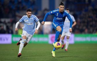 FERRARA, ITALY - FEBRUARY 22: Cristiano Ronaldo of Juventus controls the ball during the Serie A match between SPAL and  Juventus at Stadio Paolo Mazza on February 22, 2020 in Ferrara, Italy. (Photo by Daniele Badolato - Juventus FC/Getty Images)