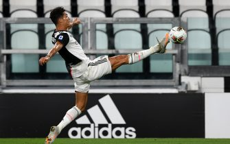 TURIN, ITALY - JULY 26: Cristiano Ronaldo of Juventus controls the ball during the Serie A match between Juventus and UC Sampdoria at Allianz Stadium on July 26, 2020 in Turin, Italy. (Photo by Chris Ricco/Getty Images)