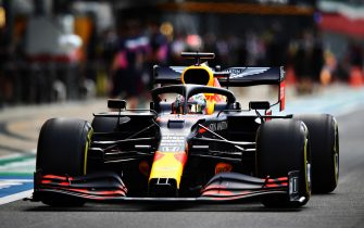 NORTHAMPTON, ENGLAND - AUGUST 01: Max Verstappen of the Netherlands driving the (33) Aston Martin Red Bull Racing RB16 in the Pitlane during qualifying for the F1 Grand Prix of Great Britain at Silverstone on August 01, 2020 in Northampton, England. (Photo by Mark Thompson/Getty Images)