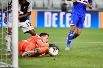 TURIN, ITALY - JULY 26: Wojciech Szczsny of Juventus FC makes a save during the Serie A match between Juventus and  UC Sampdoria at Allianz Stadium on July 26, 2020 in Turin, Italy. (Photo by Stefano Guidi/Getty Images)