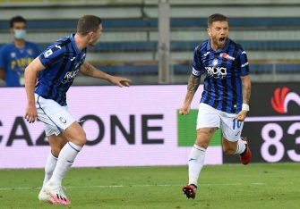 PARMA, ITALY - JULY 28: Alejandro Gomez of Atalanta BC celebrates after scoring his team's second goal during the Serie A match between Parma Calcio and Atalanta BC at Stadio Ennio Tardini on July 28, 2020 in Parma, Italy. (Photo by Alessandro Sabattini/Getty Images)