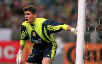 24 May 2000:  Iker Casillas of Real Madrid in action during the European Champions League Final 2000 at the Stade de France, Saint-Denis, France. Real Madrid won 3-0. \ Mandatory Credit: Graham Chadwick /Allsport