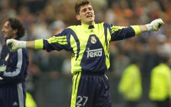 Spanish goalkeeper of Real Madrid Iker Casillas jubilates 24 May 2000, following his team's victory in the Champion's League final against Valencia. Real Madrid won 3-0. (ELECTRONIC IMAGE) (Photo by JACQUES DEMARTHON / AFP) (Photo by JACQUES DEMARTHON/AFP via Getty Images)