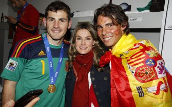 JOHANNESBURG, SOUTH AFRICA - JULY 11: Spain´s goalkeeper Iker Casillas (L-R), Spanish Princess Letizia and tennis player Rafa Nadal celebrates the victory in the Spanish dressing room after Spanish football tam won the 2010 FIFA World Cup at Soccer City Stadium on July 11, 2010 in Johannesburg, South Africa.  (Photo by Spanish Royal Press Dept/Borja Fotógrafos/Handout/Getty Images)