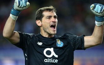 MONACO, MONACO - SEPTEMBER 26: Goalkeeper of FC Porto Iker Casillas celebrates the third goal during the UEFA Champions League group G match between AS Monaco and FC Porto at Stade Louis II on September 26, 2017 in Monaco, Monaco. (Photo by Jean Catuffe/Getty Images)