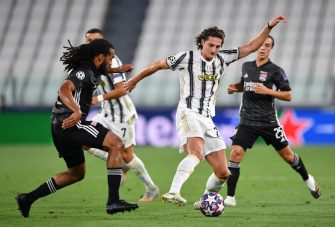 TURIN, ITALY - AUGUST 07: Adrien Rabiot of Juventus is challenged by Jason Denayer of Olympique Lyon during the UEFA Champions League round of 16 second leg match between Juventus and Olympique Lyon at Allianz Stadium on August 07, 2020 in Turin, Italy. (Photo by Valerio Pennicino/Getty Images)