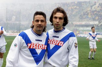 UNSPECIFIED, ITALY: 2000-01 Roberto Baggio and Andrea Pirlo of Brescia Calcio pose for photo during the Serie A match between ACF Fiorentina and Brescia Calcio at Stadio Artemio Franchi in Florence , Italy.  (Photo by Alessandro Sabattini/Getty Images)
